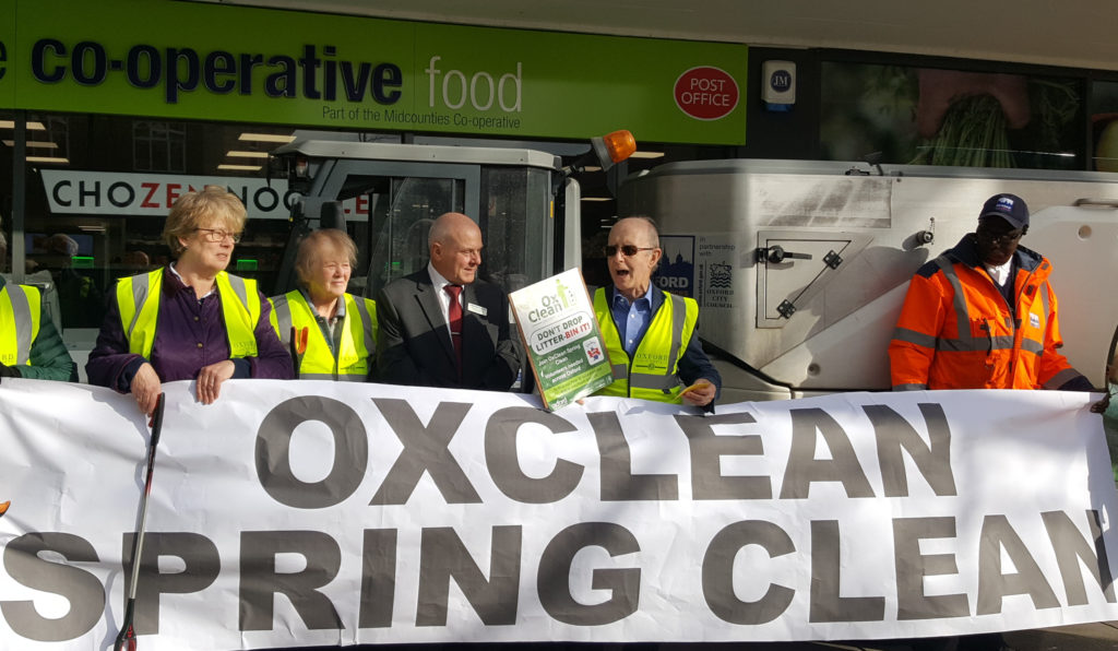 Co-op manager Richard Clements with OxClean organisers